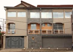 Kalz Guest House - Kinshasa - Gebäude