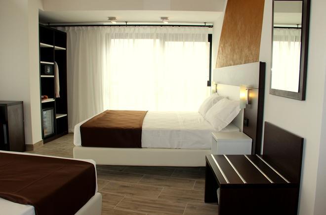 Hotel Luxor Florence - Florencia - Habitación