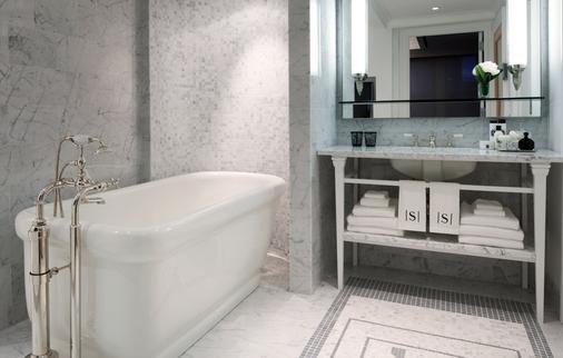 The Surrey - New York - Bathroom