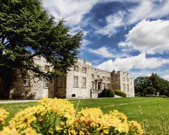 Hazlewood Castle & Spa - Tadcaster - Building