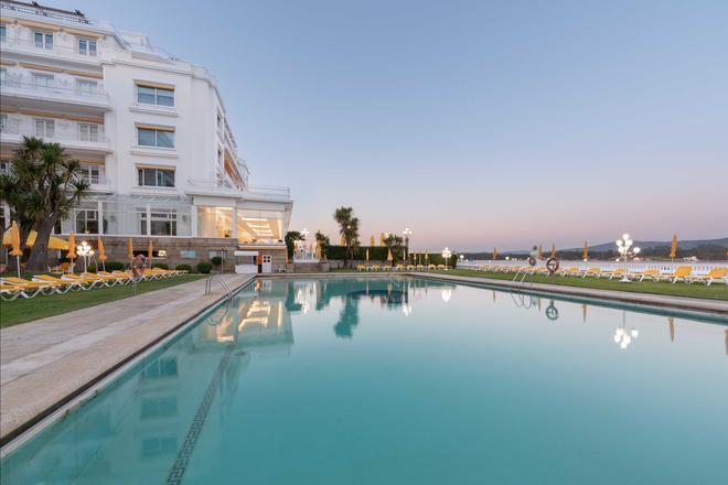 歐洲之星托哈大酒店 - 奧格羅韋 - 奧格羅夫 - 游泳池