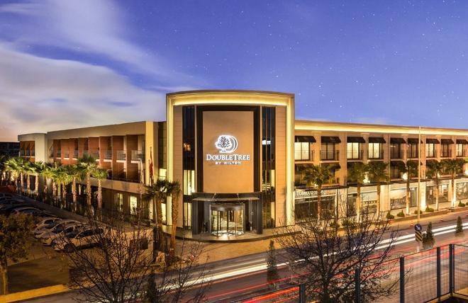 DoubleTree by Hilton Izmir Airport - Izmir - Building