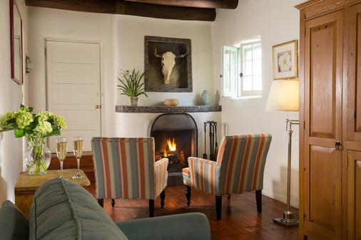 Inn of the Turquoise Bear - Santa Fe - Living room