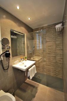 Hotel Avenida - Pamplona - Μπάνιο