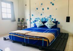 Vitamin Sea Hostel Phuket - Phuket City - Bedroom