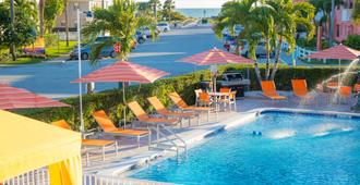 St. Pete Beach Suites - St. Pete Beach - Piscine