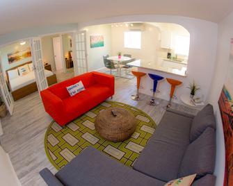St. Pete Beach Suites - St. Pete Beach - Schlafzimmer