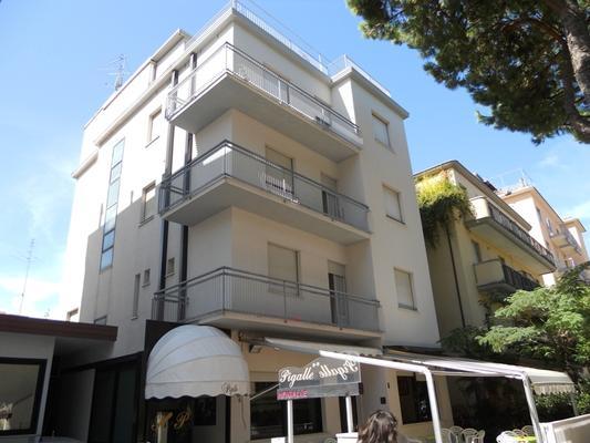 Hotel Pigalle - Rimini - Building