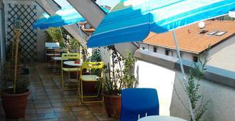 Star Hostel - Milan - Balcony
