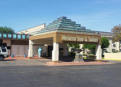 Western Inn and Suites - Enid - Building