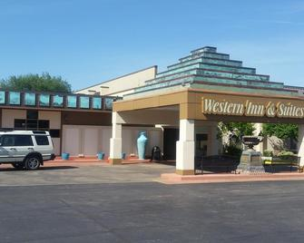 Western Inn and Suites - Enid - Building