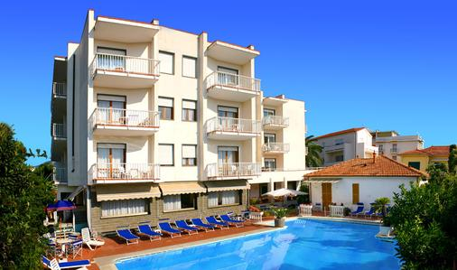 Hotel Splendid - Diano Marina - Building