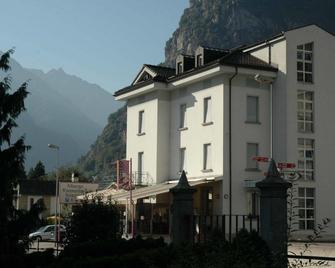 Albergo Svizzero - Biasca - Building