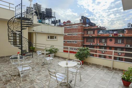 Highlander Inn - Kathmandu - Parveke