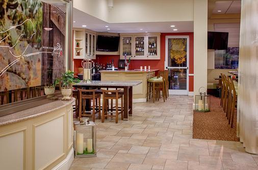 Hilton Garden Inn Baton Rouge Airport - Baton Rouge - Bar
