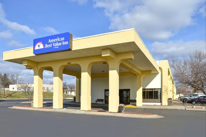 Americas Best Value Inn Moline - Moline - Rakennus