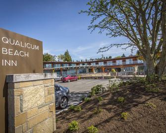 Qualicum Beach Inn - Qualicum Beach - Edificio