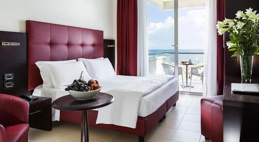 Hotel Terminal Palace & Spa - Rimini - Phòng ngủ