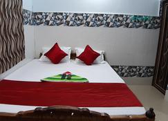 Goroomgo Glory Puri - Puri - Bedroom