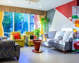 Quality Inn Merrimack - Nashua - Merrimack - Lobby