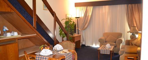 Pyramids Park Resort Cairo - Cairo - Living room