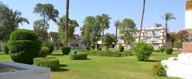 Pyramids Park Resort Cairo - Cairo - Outdoors view