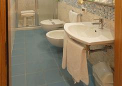 格拉希耶拉安緹卡別墅酒店 - 美斯特雷 - 威尼斯 - 浴室