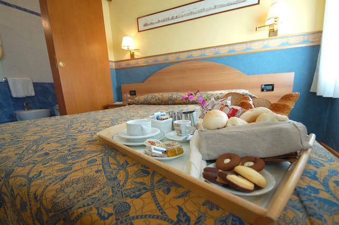 格拉希耶拉安緹卡別墅酒店 - 美斯特雷 - 威尼斯 - 飲食