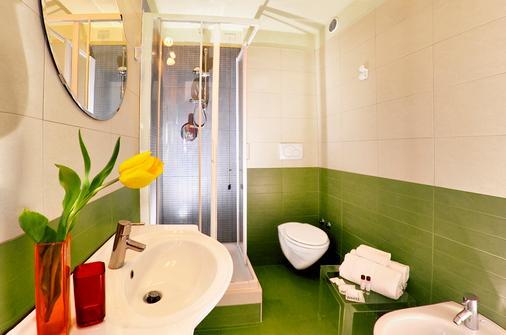 Colors Hotel - Rome - Bathroom