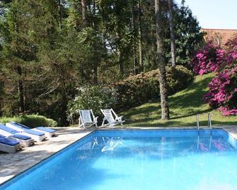 Pousada Passaredo - Gonçalves - Pool