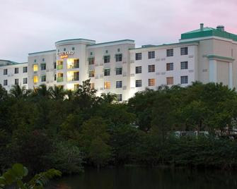 Courtyard by Marriott Fort Lauderdale Airport & Cruise Port - Dania Beach - Building