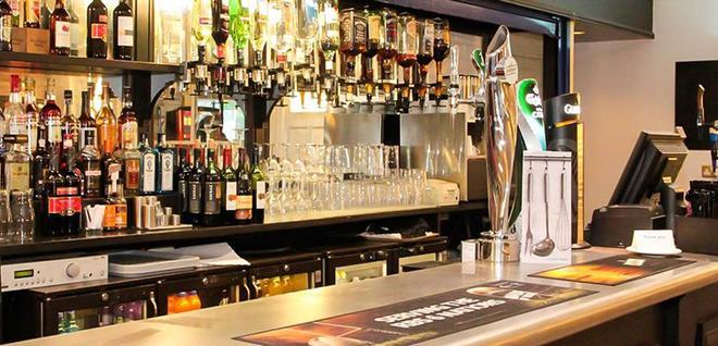 貝斯特西蓋特威克莫特酒店 - 霍利 - 霍利 - 酒吧