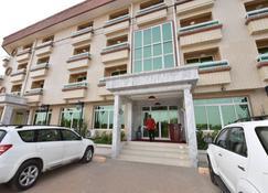 A. Grand Hôtel - Douala - Gebouw