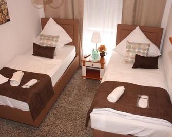 Hotel Wettbachplatz - Sindelfingen - Bedroom