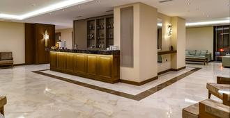 Aya Yorgi Hotel By T - צזמה - בר
