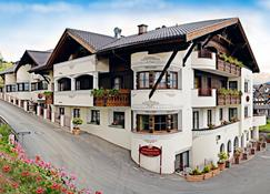 Hotel Toalstock - Fiss - Building