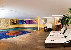Romantik & Spa Alpen-herz - Ladis - Pool