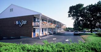 USA INN - Wells - Building