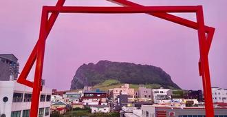 Jeju Island Seongsan Bravo Guest House - Seogwipo - Näkymät ulkona