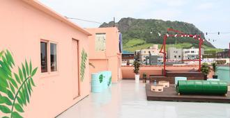 Jeju Island Seongsan Bravo Guest House - Seogwipo - Rooftop
