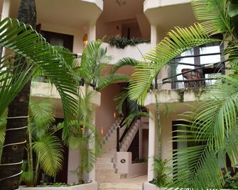La Tortuga Hotel & Spa - Playa del Carmen - Building
