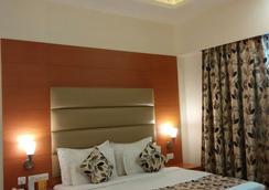Grand Continental - Prayagraj - Bedroom