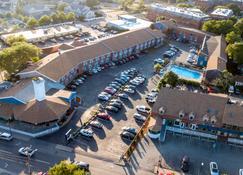 Hyannis Plaza Hotel - Hyannis Port - Edifício