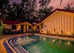 Hotel Boon's Ark Anjuna Goa - Vagator - Uima-allas