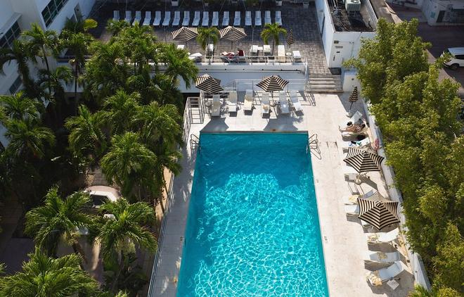 Albion South Beach Hotel 8 250