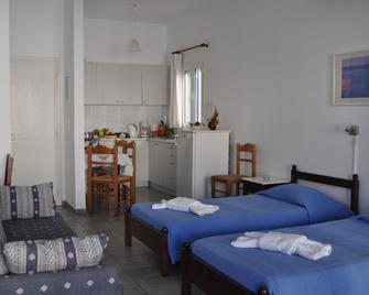Fabio Studios - Kionia - Bedroom