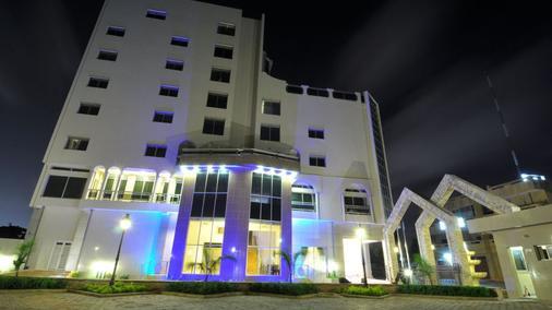 Bénin Royal Hôtel - Cotonou - Außenansicht