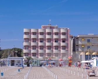 Hotel Villa Rosa - Misano Adriatico - Building