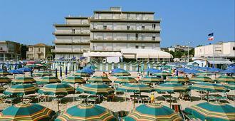 Hotel President's - Pesaro - Praia