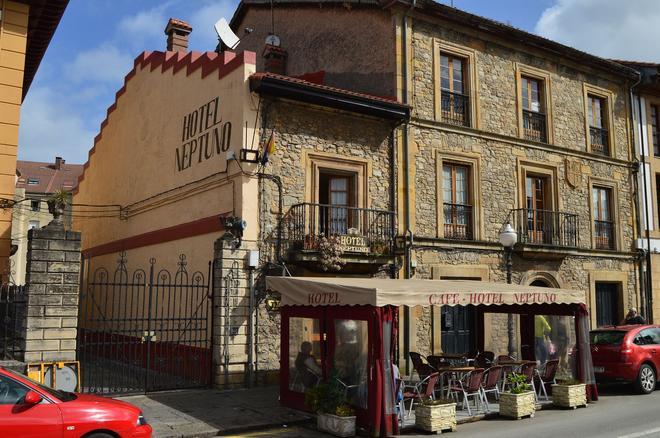 Hotel Neptuno - Villaviciosa - Building